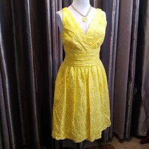 DONNA MORGAN YELLOW EYELET LACE DRESS *43